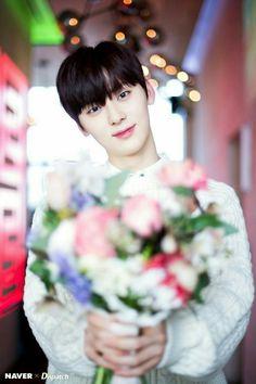 Wanna One Minhyun Naver Photoshoot for White Day Minhyuk, Jinyoung, Seungri, Bigbang, Nu Est Minhyun, Produce 101 Season 2, Ong Seongwoo, Kim Jaehwan, Ha Sungwoon