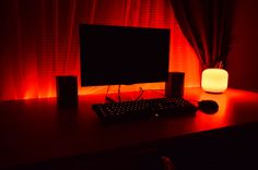 A simple red-themed Battlestation - LEDs everywhere!