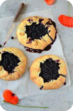 Tartelettes rustiques aux myrtilles – Paprikas Creme Fraiche, Doughnut, Breakfast, Recipes, Food, Panna Cotta, Tacos, Photos, Pastries