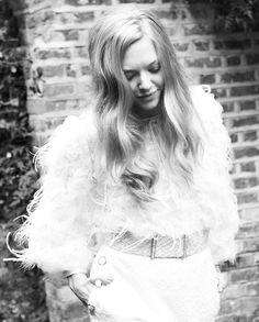 Amanda Seyfried - Vanity Fair UK by Simon Emmett, December 2012