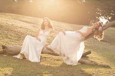 Editorial Bridal Beauty Br  Fotos: Camila Baraká  Maquiagem e Cabelo: Camila Adi e Dani Ferrarezi  Vestidos: Giselle Nasser Para conhecer melhor nosso trabalho acesse: www.bridalbeautybr.com