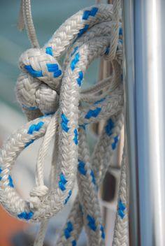 Sail. Panama    https://www.serenityvista.com/program-elements/sailing-the-pacific/