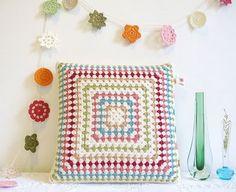 pretty granny #crochet pillow covering