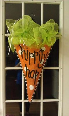 Easter Burlap Door Hanger by aunthaleyshabit on Etsy