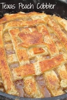 to make the best Texas Peach Cobbler - My Turn for Us Texas Dutch Oven Peach Cobbler.old Cowboy Style Chuck Wagon cooks recipeTexas Dutch Oven Peach Cobbler.old Cowboy Style Chuck Wagon cooks recipe Köstliche Desserts, Delicious Desserts, Dessert Recipes, Yummy Food, Dutch Oven Recipes Dessert, Campfire Dutch Oven Recipes, Dutch Recipes, Plated Desserts, Dutch Oven Peach Cobbler