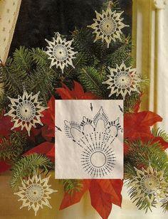 Crochet Snowflake Pattern, Christmas Crochet Patterns, Crochet Snowflakes, Crochet Doilies, Christmas Wishes, Christmas Crafts, Xmas, Crochet Symbols, Hand Embroidery