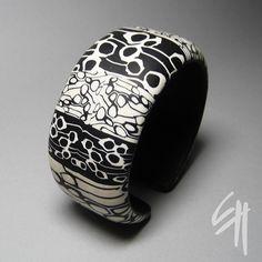Black and White Bracelet by E.H.design, via Flickr