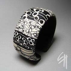 Black and White Bracelet by E.H.design, via Flickr