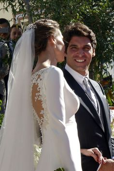 This Spanish celeb's wedding dress was amazingly gorgeous