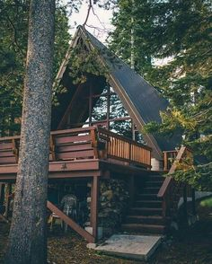I have a confession to make. I'm obsessive about looking for the best cabins from all over the world. I'm continuously surfing the internet trying to find cabins for rent or cabins for Tiny House Cabin, Cabin Homes, Log Homes, Silo House, A Frame Cabin, A Frame House, Cabins In The Woods, House In The Woods, Construction Chalet
