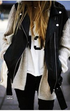 Fall Outfit With Black Leather Jacket and Cozy Cardigan - layers Mode Outfits, Winter Outfits, Summer Outfits, Summer Clothes, Comfy Clothes, Moda Fashion, Cute Fashion, Fashion Models, Looks Style
