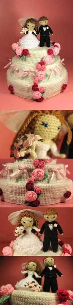 Dreamy Bride And Groom With Wedding Cake Amigurumi Pattern