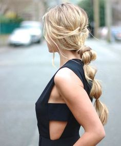 If you want quick and super stylish results Bubble Ponytail is one of the best hairstyles to opt for. Here are 3 Easy Ways To Style Bubble Ponytail. Here you will also get step by step video tutorial on how to make Bubble Ponytail in Chic Hairstyles, Pretty Hairstyles, Straight Hairstyles, Braided Hairstyles, Summer Hairstyles, Romantic Hairstyles, Easy Hairstyle, Hairstyles 2018, Hair Updo