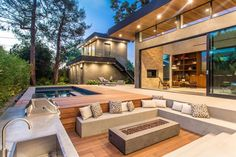 Outdoor Fire Pit Seating Ideas That Blend Looks And Function In Crazy Ways : Sunken Pool Fire Pit Seating Outdoor Fire, Outdoor Lounge, Outdoor Seating, Outdoor Decor, Outdoor Couch, Outdoor Patios, Indoor Outdoor Living, Outdoor Dining, Sunken Fire Pits