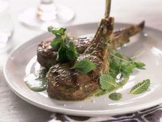 400-Calorie Mediterranean Meals: Grilled Lamb Chops With Mint http://www.prevention.com/food/cook/healthy-mediterranean-diet-recipes?s=13&?cm_mmc=Flat-Belly-Diet-Nonmember-_-1558794-_-01062014-_-Mediterranean-meals-Copy