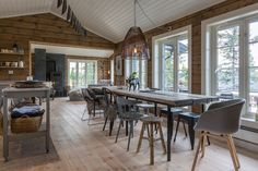 Cottage Kitchen A Cabin Theme for Your Residence Adorning Wants On the subject of house adorning the Log Home Interiors, Cottage Interiors, Cabin Homes, Log Homes, White Baseboards, Scandinavian Cabin, Pole Barn Homes, Cottage Design, House In The Woods