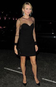 Naomi Watts porte une robe noire Saint Laurent par Hedi Slimane automne-hiver 2013-14
