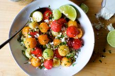 Chili Lime Melon Salad via Smitten Kitchen Smitten Kitchen, Curry Recipes, Salad Recipes, Healthy Recipes, Lime Recipes, Veggie Recipes, Healthy Meals, Vegetarian Recipes, Healthy Food