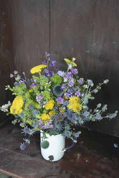The Real Cut Flower Garden - UK: my favourite type of informal arrangements at http://www.cutflowergarden.co.uk/our-flowers