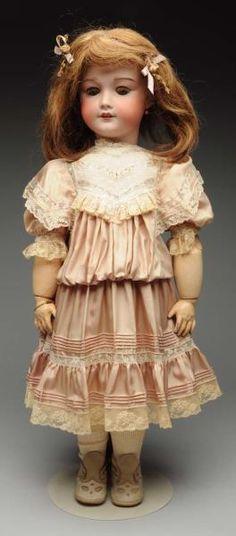 Lot # : 55 - Large French Bébé Doll.