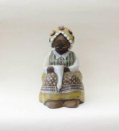 Beautiful large 60s vintage retro ceramic figurine: woman with