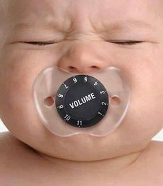 Volume Baby Pacifier thats really funny! Funny Babies, Funny Kids, Cute Kids, Cute Babies, Baby Kids, Regalo Baby Shower, Haha, Foto Baby, Future Baby