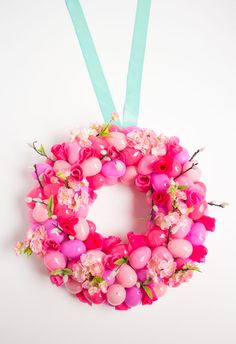 DIY floral ombre Easter egg wreath - plastic eggs and artificial flowers have never looked so good!