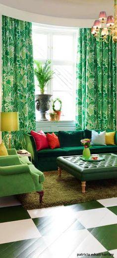 Emerald Green Room Decor Fun Emerald Curtains Emerald And Hot Pink Emerald Green Living Room Accessories Living Room Green, Home And Living, Modern Living, Sala Tropical, Emerald Green Rooms, Emerald Color, Decor Room, Living Room Decor, Home Decor