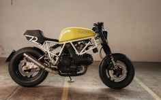 Killer Ducati 750 Sport cafe racer courtesy of Germany's Andreas Goldemann. Ducati Cafe Racer, Moto Ducati, Ducati Motorcycles, Cafe Racer Motorcycle, Custom Motorcycles, Custom Bikes, Cafe Racers, Ducati 750ss, Ducati Supersport