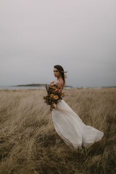 This Leanne Marshall wedding dress works perfectly with the moody Maine Coast and an autumnal bouquet Leanne Marshall Wedding Dresses, Wedding Photos, Wedding Day, Wedding Tips, Wedding Details, Bouquet Images, Moda Boho, Portraits, Fall Wedding Dresses