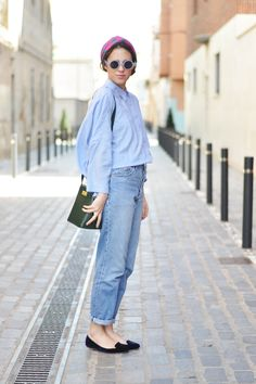 When out for shopping of a lazy outing to meet an old friend- boyfriend jeans with a slim fit shirt and rolled up sleeves and a pair of slippers. Throw a head scarf to protect your hair from the dust and the heat.