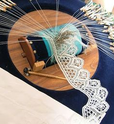 Lacemaking in South Africa Bobbin lace in progress. I love watching people making lace Antique Lace, Vintage Lace, Vintage Items, Bordados E Cia, Bobbin Lacemaking, Bobbin Lace Patterns, Loom Patterns, Crochet Patterns, Tatting Lace