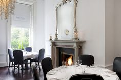 The Cliff Townhouse (Dublín) Private Dining Room, Townhouse, Oversized Mirror, Lounge, Luxury, Cliff, Inspiration, Furniture, Wedding Blog