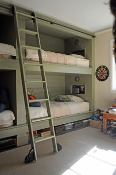 Putnam rolling ladder for a bunk bed - Rudy Colby Design