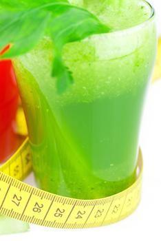 Abnehmwunder Saft - Rohkost Rezept für Entsafter und Saftpresse | HAPPY VITA