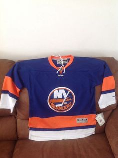 2887bbc8c61 Reebok ny islanders Hockley NHL jersey NWT retail price  80.00 size L XL  youth