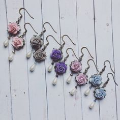 New flower earring style in the shop! Perfect for weddings, bridesmaids or everyday enchantment. Custom orders welcome!