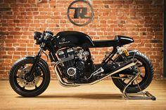 Honda CB750 Cafe Racer. Hoy os dejamos esta preciosidad, es una Honda CB 750 Sevenfifty del 2003 construida por Rewheeled.