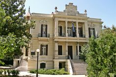Villa Murdoch designed by Xenophon Paionidis in 1905 is definitely one of the most beautiful villas of Thessaloniki. Beautiful Villas, Most Beautiful, Thessaloniki, The Locals, Greek, Walking, Mansions, History, Architecture