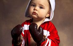 Γενιές και γενιές παιδιών μεγάλωσαν με το γνωστό σε όλους ρητό «όταν τρώμε, δε μιλάμε» που τόσες μαμάδες το έχουν χρησιμοποιήσει. Τα παιδιά την ώρα του οικογενειακού γεύματος είναι ενεργητικά και φλύαρα.  Read more: http://rizopoulospost.com/thelete-paidia-me-aftopepoithhsh-milhste-tous-thn-wra-tou-faghtoy/#ixzz2aiGWIhIJ  Follow us: @Rizopoulos Post on Twitter | RizopoulosPost on Facebook #Greece #children #community