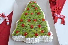 La torta a forma di albero di natale è il mio modo per farvi gli auguri per salutare l'anno che si sta concludendo. Ho preparato questo dolce