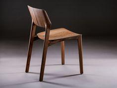 Sedia in legno Collezione Fin by Artisan | design Michael Schneider
