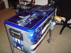 DALLAS COWBOYS 80qt. ICE CHEST. I so want this!