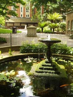 Postman's Park is a secret hideaway. There are rarely anyone there at all, and always locals.