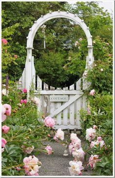 5 inspiring ways to create a cottage style garden arbor Alaska garden gate b b and cottages
