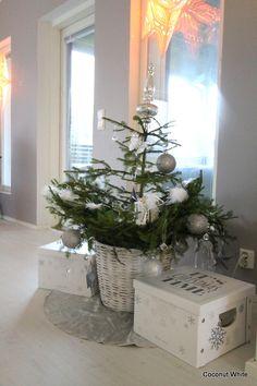 Coconut White: Joulukuusi koristeltuna ja 3 yötä jouluun