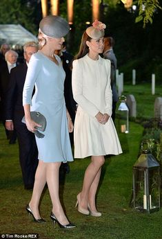 Queen Mathilde and Catherine, Duchess of Cambridge at ceremony commemorating the outbreak of WWI.  Very interesting article with many photos at original site.