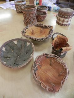 Bark baskets and bowls made by Karen Tembreull. Weaving Textiles, Weaving Art, Willow Weaving, Basket Weaving, Diy Arts And Crafts, Fun Crafts, Archaeology For Kids, Birch Bark Baskets, Birch Bark Crafts