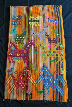 This image shows half of a large carrying cloth or tzute from Chichicastenango in Guatemala Guatemalan Textiles, Mexican Textiles, Textile Market, Sustainable Textiles, Colorful Paintings, Weaving, Embroidery, Pattern, Fabric