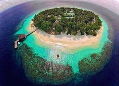 Paradise Island in the Maldives (from Amazing Photos in the World) Holiday Destinations, Vacation Destinations, Dream Vacations, Vacation Spots, Tropical Vacations, Tropical Beaches, Romantic Vacations, Italy Vacation, Paradise Island